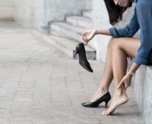 靴擦れの原因は?靴擦れ防止対策&水ぶくれができたときの治療法