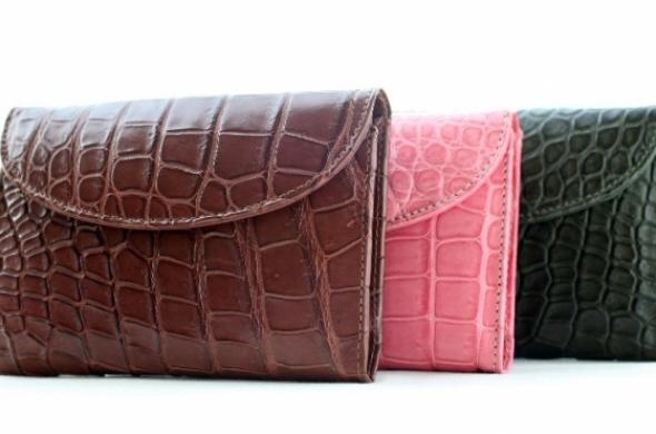 お金持ちの財布の色は何色?金運を高める「お金が貯まる財布の色」5選